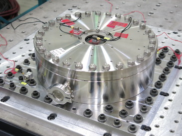 Thermal-Vacuum and Vibration Testing of the EnMAP Field Splitters Under Cleanroom Requirements